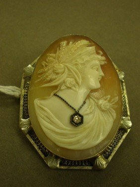Cameo Brooch/pendant. 14K Wg (marked) Filigree Fra
