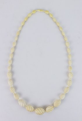 A Chinese Antique Ivory Carved Beaded Necklace