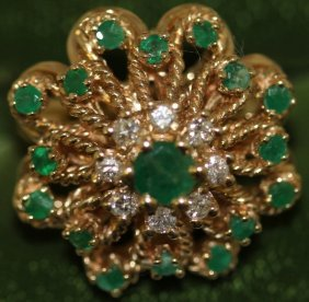 14kt Gold Ladies Diamond And Emerald Cluster