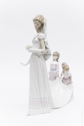 Lladro Porcelain Group, Here Comes The Bride.