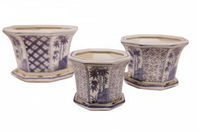 """8"""" Octagonal Set Of Three Oriental Porcelain Blue And"""