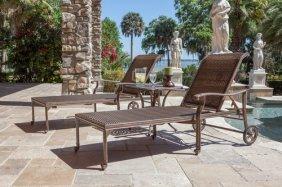 Palladio Chaise Lounge