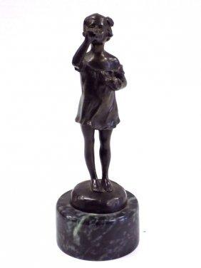 Crizaro - Victorian Girl Bubbles Bronze Statue