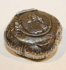 Boite � Pilules Art Nouveau En Argent. P :  19 G