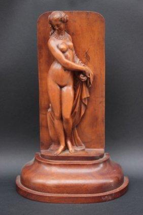 Femme Nue Drapée Sculpture En Bois En Haut Relief Xxe