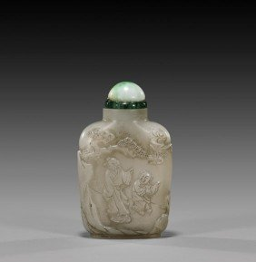 CARVED WHITE JADE SNUFF BOTTLE