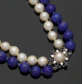 Doppelreihiges Collier Aus Perlen Und Lapisla