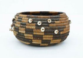 Antique Pomo Gift Indian Basket 2.5''x5''. Coiled