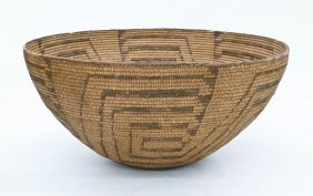 Impressive Pima Large Indian Basket 10.5''x20''. Coiled