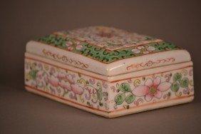 Famille Rose Box