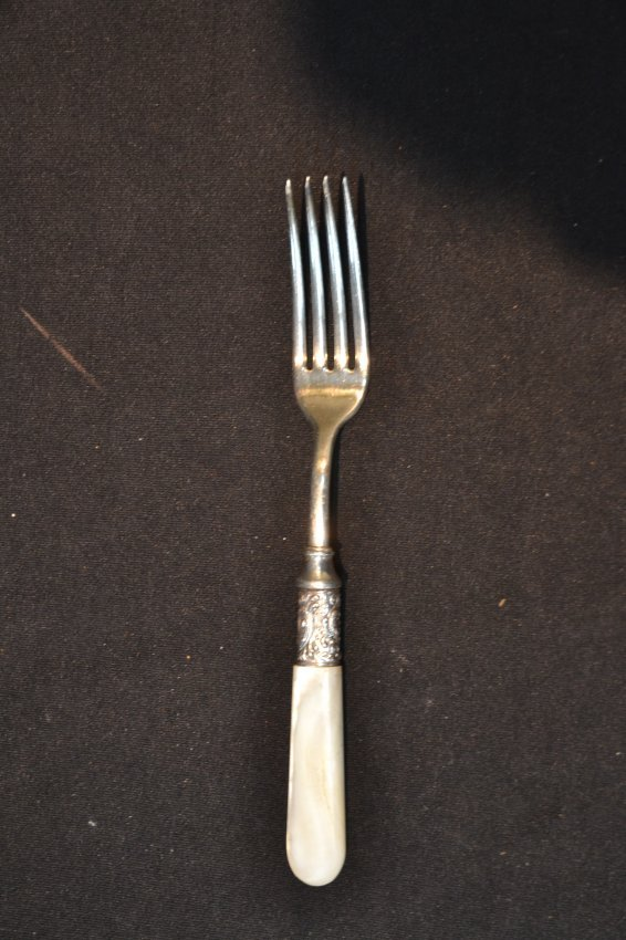 34 pc 39 s mother of pearl handle flatware service lot 300 - Pearl handled flatware ...