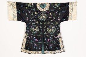 A Qing-style Female Black Overcoat