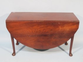18th Century American Mahogany Drop-Leaf Table
