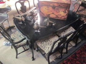 BLACK FINISH DINING TABLE WITH 6 CHAIRS IN CLOCK MOT