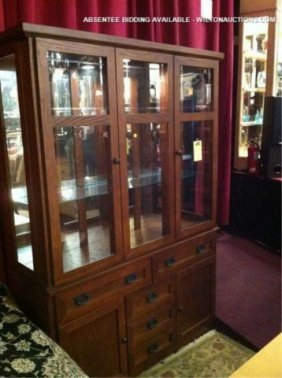MISSION OAK STYLE CHINA CABINET, EXCELLENT CONDITIO