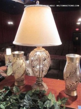 ORNATE ANTIQUE GOLD FINISH TABLE LAMP WITH CRYSTAL
