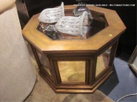 PAIR OCTAGONAL GOLD GILT FINISH DISPLAY CABINETS, 2