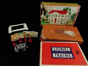 4 Pc Vintage Train Equipment, Includes Billboards,