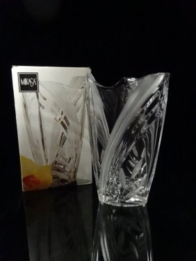 """Mikasa Crystal Island Breeze Vase, Approx 10.5"""", With"""