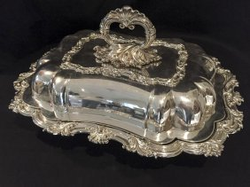 A Victorian Pair Of Silver Plated Entrée Dishes And
