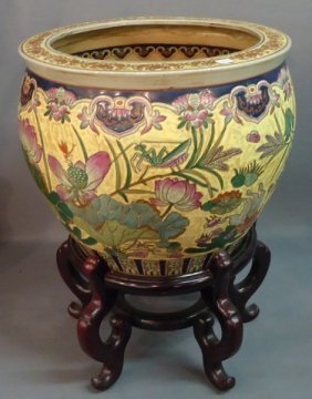 DECORATIVE ORIENTAL EXPORT PORCELAIN FISH BOWL