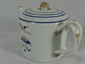 19th Century Chinese Export Teapot Flying Cherub