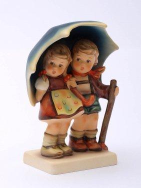Hummel-Figurengruppe 'Unter Einem Dach',
