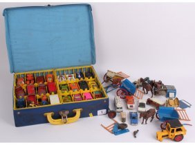 A Matchbox 1971 Carry Case Full Of Cars, With Three