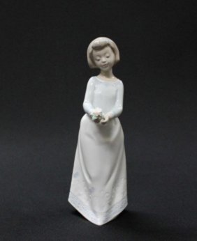Lladro Figure Of Girl Holding Flower