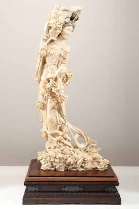 Arte Cinese A Rare Massive Ivory Carved Statue Of
