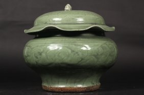 Chinese Single Color Pot With Cover
