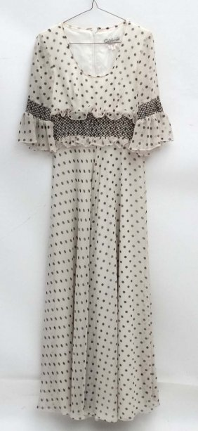 A C1970s Vintage Ladies Full Length/maxi Dress In Cream