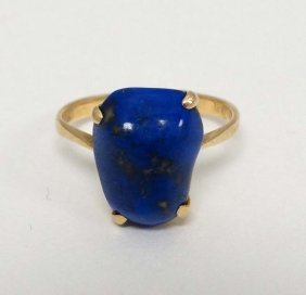 A Gold Ring Set With Lapis Lazuli Stone. Marked '18k'