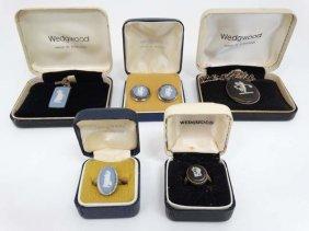 Various Items Of Wedgwood Jewellery Set With Jasperware