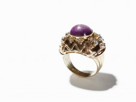 Antique Ring With Star Ruby And Diamonds