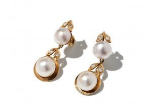 14 Carat Ear Hangings With Mabe Pearls And Diamonds,