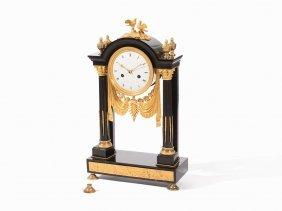 Empire Portico Clock With Pigeons, Terrien à Paris, C.