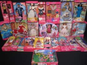 BARBIE DOLLS FRIENDS & FAMILY IN BOXES 25 PCS