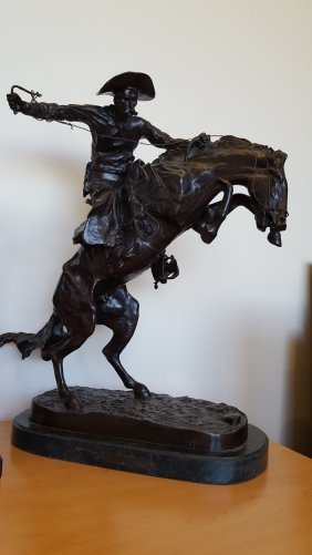 "Frederic Remington ""bronco Buster"" Bronze Sculpture"