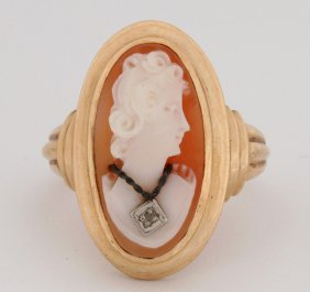A Vintage Ladies 10k Shell Cameo Ring With Diamond