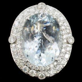 18k Gold 15.18ct Aquamarine & 2.45ct Diamond Ring