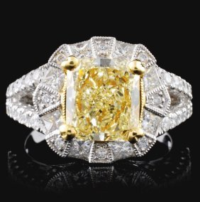 18k White Gold 3.26ctw Fancy Color Diamond Ring
