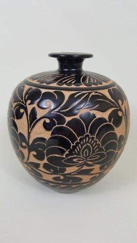 A Cizhou Yao Peony Sgraffito Wine Pot