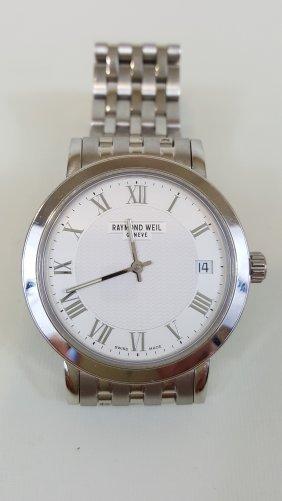 A Raymond Weil Stainless Steel Men's Watch. Swiss Watch