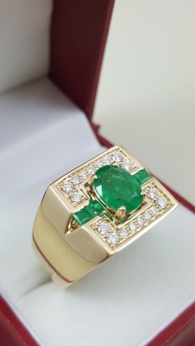 A 14k Yellow Heavy Gold Emerald Ring With Round