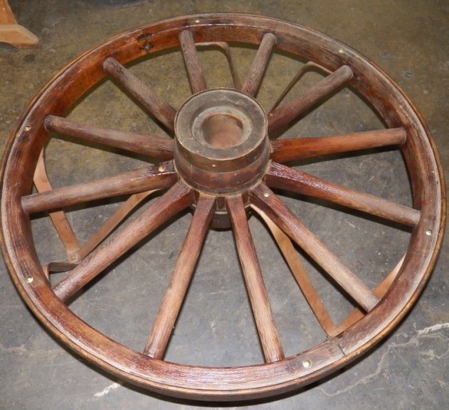 444 Wagon Wheel Coffee Table Lot 444