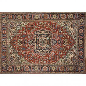 Persian Heriz Hand-knotted Rug