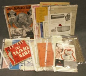 LOT ASSORTED VINTAGE EPHEMERA INCLUDING PHOTOS