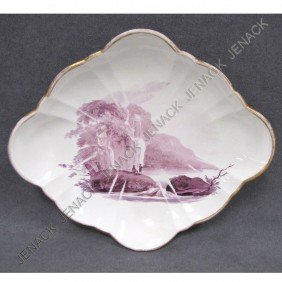 WEDGWOOD DECORATED PORCELAIN DESSERT DISH