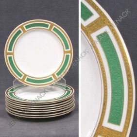 LOT (9) ROYAL WORCESTER PORCELAIN DINNER PLATES